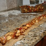 Apple challah stuffed with cinnamon apples