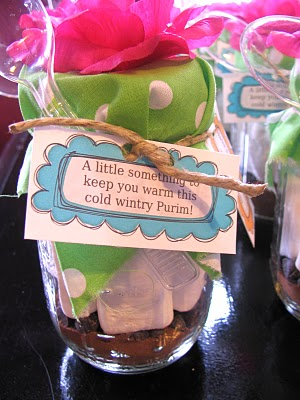 hot chocolate in a jar Creative Mishloach Manot for Purim