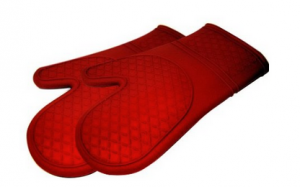 Screen Shot 2013 01 03 at 10.30.16 PM 300x187 Red Silicone Oven Mitts   $11.28 for the pair