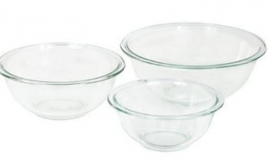 Screen Shot 2013 05 21 at 11.01.10 AM 300x185 Pyrex 3 Pc Mixing Bowl Set   $12.33, Shipped