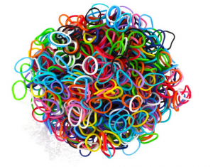 Screen Shot 2013 10 09 at 12.08.59 PM 300x235 Loom Bands (600 Count + 25 S Clips)   $2.79, Shipped