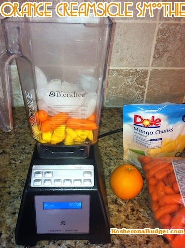 How to make an organe creamsicle smoothie - just 200 calories for this delicious breakfast.