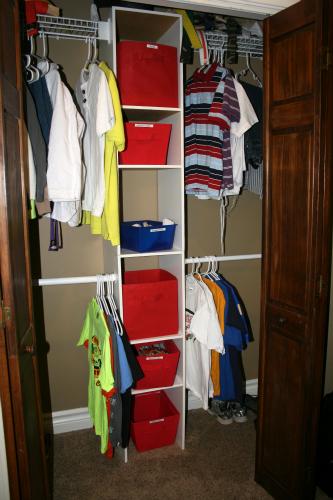 Minimal Kids Closet